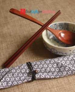 Engraved-Personalized-Natural-Wooden-Chopsticks-&-Spoon-Set_s