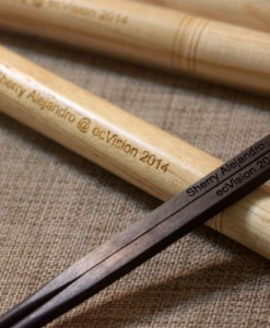 engraved-chopsticks-with-chopsticks-box